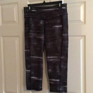 Workout pants, with waist pocket.